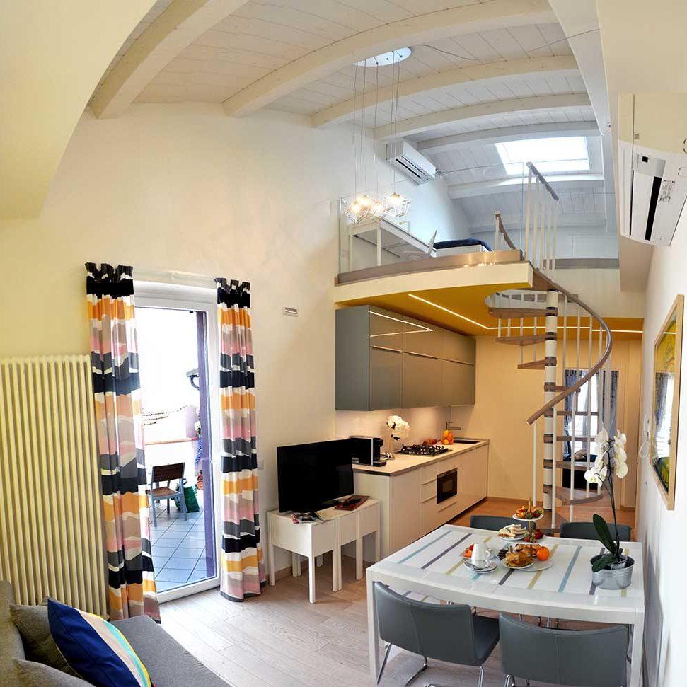Appartamento-vacanze-civitanova-giallo